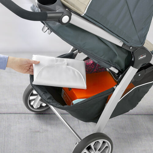 The Bravo stroller features ample storage capabilites