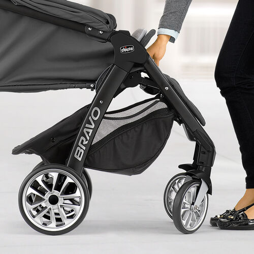 Front swivel wheels on the Chicco Bravo LE Stroller automatically turn to the correct position when folding