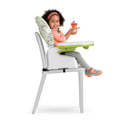 Use the booster mode of your Chicco Stack highchair in 2 modes - with and without the tray