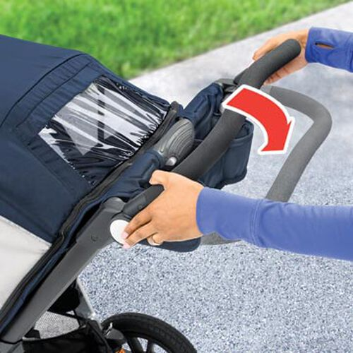 4-position handle ensures the Activ3 Jogging Stroller handle is at the perfect height for mom or dad