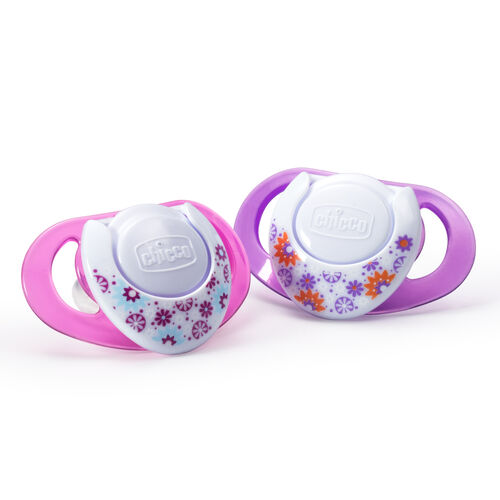 Chicco NaturalFit Deco 4M+ Orthodontic Pacifiers are BPA and LATEX Free