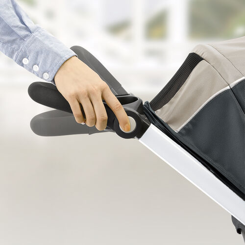 Adjust the handle bars on the Bravo Stroller by Chicco