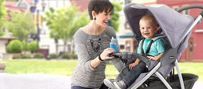 Viaro Travel System features a quick-fold, 3 wheel stroller